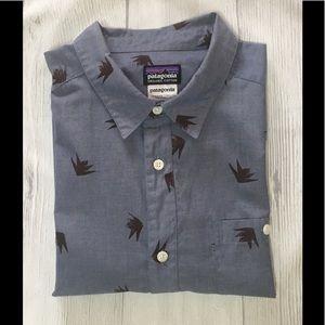 Men's Patagonia button down short sleeve shirt